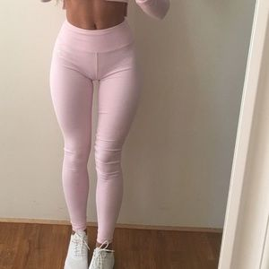 NWOT Gymshark chalk pink dreamy leggings